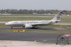 Etihad A330-200 A6-EYM