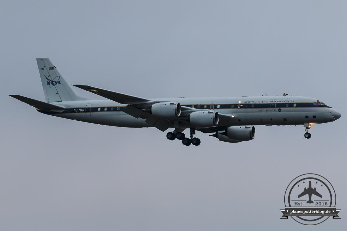 NASA DC-8-72 N817NA