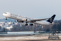 Boeing B767-400 United N76055
