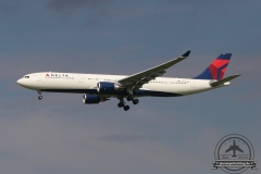 Delta A330-300 N826NW