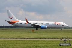 TUI B737-800 C-FYLC