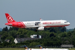 Atlas Global A321-200 TC-ETN Bank\'o Atlas Card Anflug