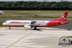 Atlas Global A321-200 TC-ETN Bank\'o Atlas Card beim Taxen