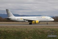 Vueling A320 EC-LRM