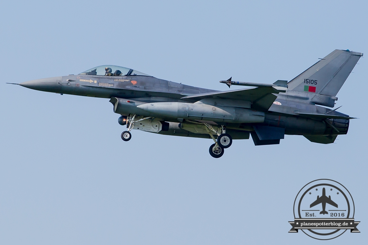 15105 General Dynamics F-16AM Fighting Falcon Portuguese Air Force Monte Real Esq 201