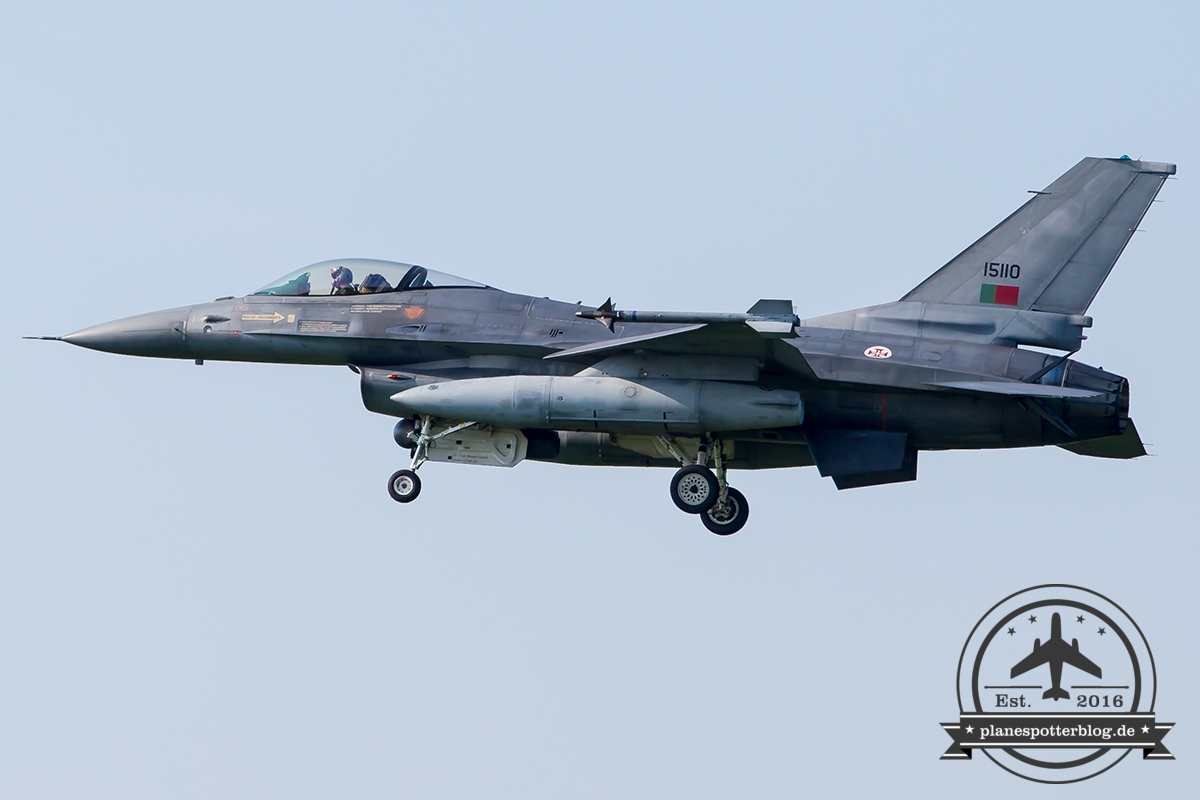 15110 General Dynamics F-16AM Fighting Falcon Portuguese Air Force Monte Real Esq 201