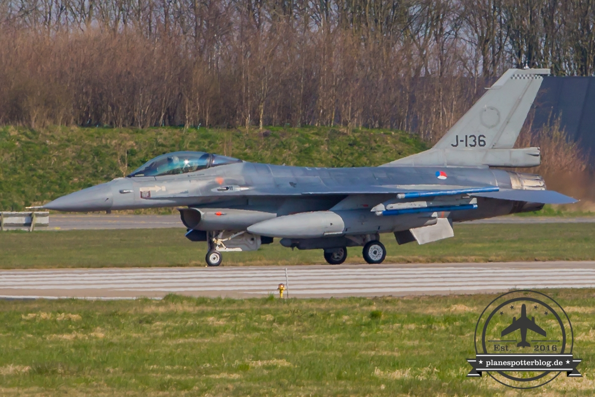 J-136 General Dynamics F-16AM Fighting Falcon Royal Netherlands Air Force Volkel 313 Sqn