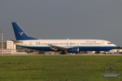 UR-CNP YanAir B737-400 23R