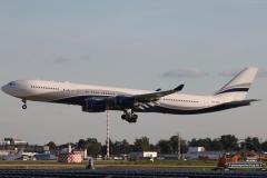 CS-TFX A340-500 HiFly Pos 9