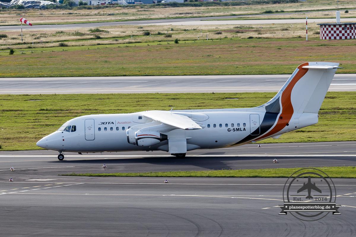 10.07.2016 DUS Warten auf JOTA Aviation 6